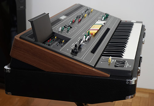 Yamaha CS-60 side view